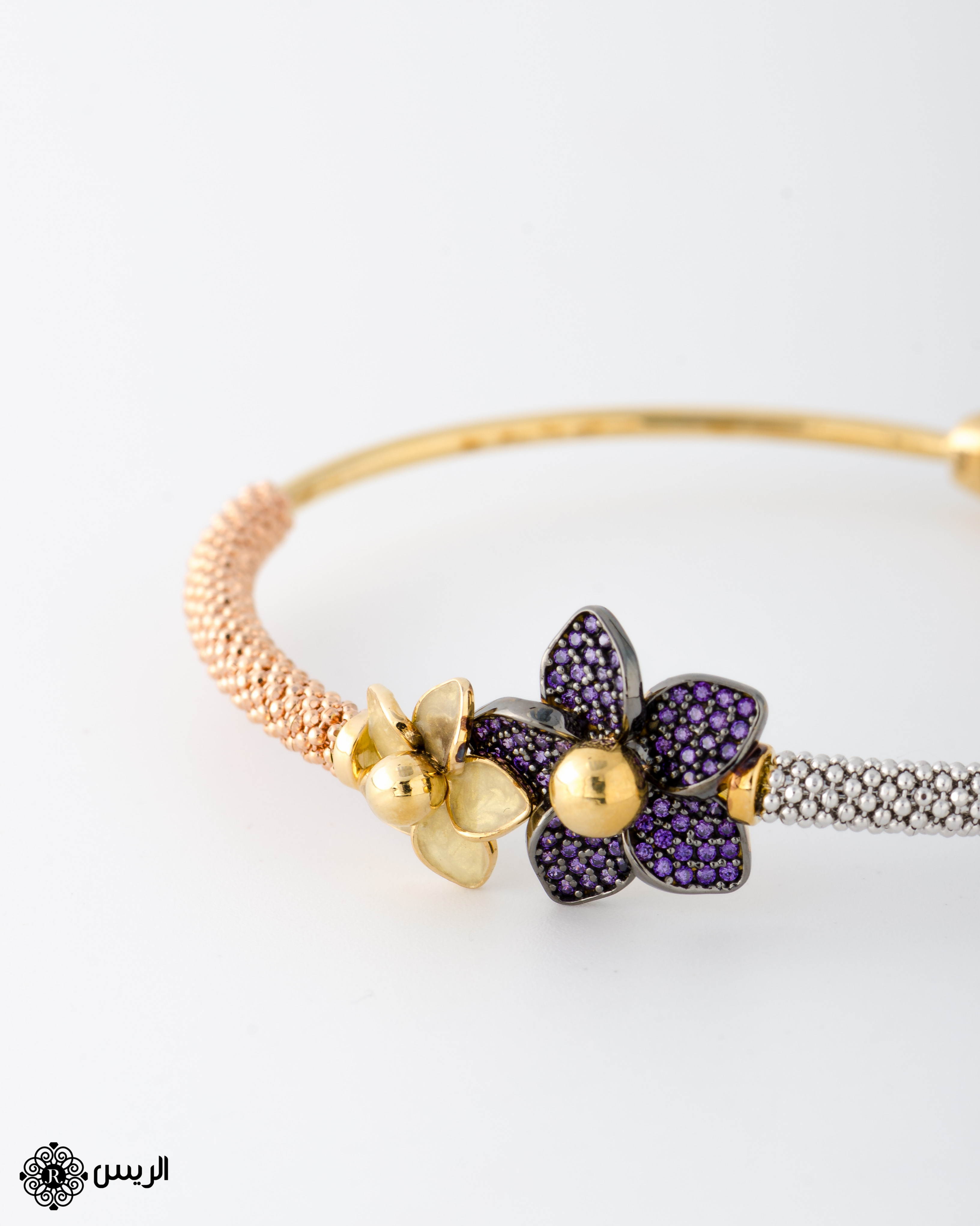 Raies jewelry Bangle Jessica Italian Design with two flowers إسورة جيسيكا تصميم إيطالي وردتين الريس للمجوهرات