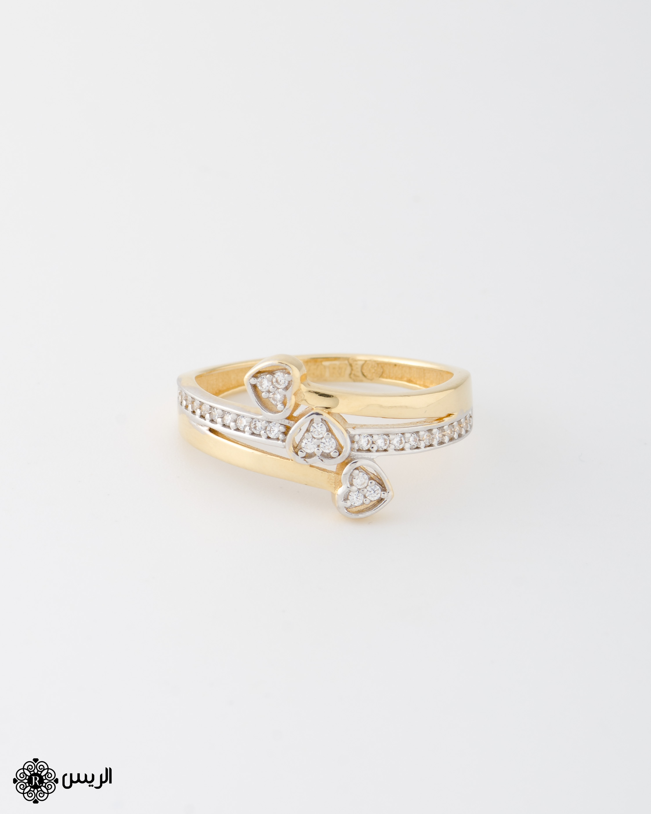 Raies jewelry Delicate Hearts Ring خاتم ناعم قلوب الريس للمجوهرات